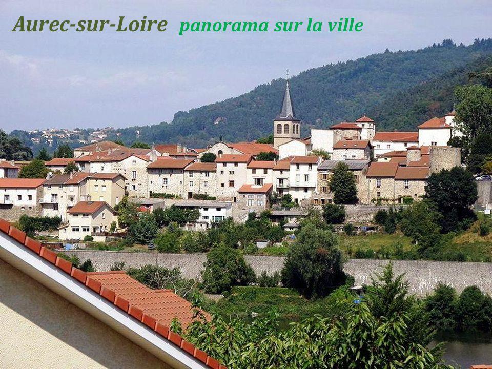 Saint-Didier-en-Velay la Grand place