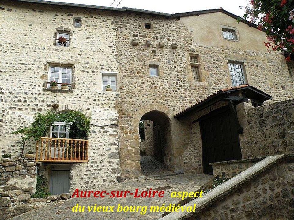 Aurec-sur-Loire Château du moine. sacristain Château seigneurial du XIe, XIIIe, XVe siècles