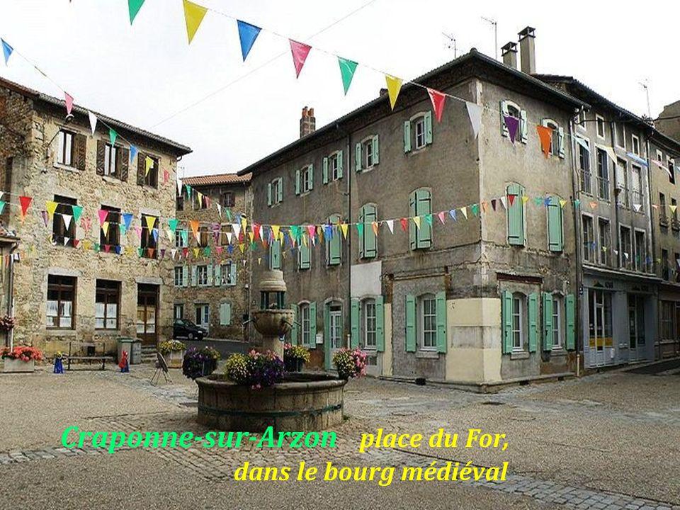 Craponne-sur-Arzon. le village
