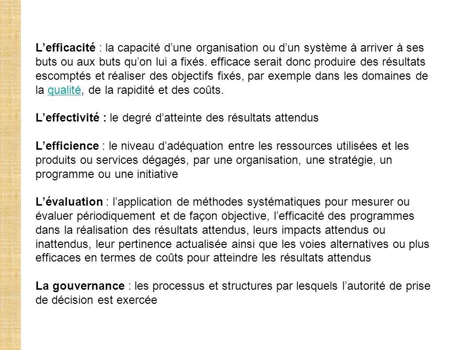 Se fondant sur ces trois modèles, la NGP préconise les éléments suivants : (1)Promouvoir la qualité des services fournis aux citoyens-clients, sur la base dune évaluation de leurs besoins, puis d une évaluation des prestations effectivement fournies par l organisation publique, au moyen dindicateurs appropriés.