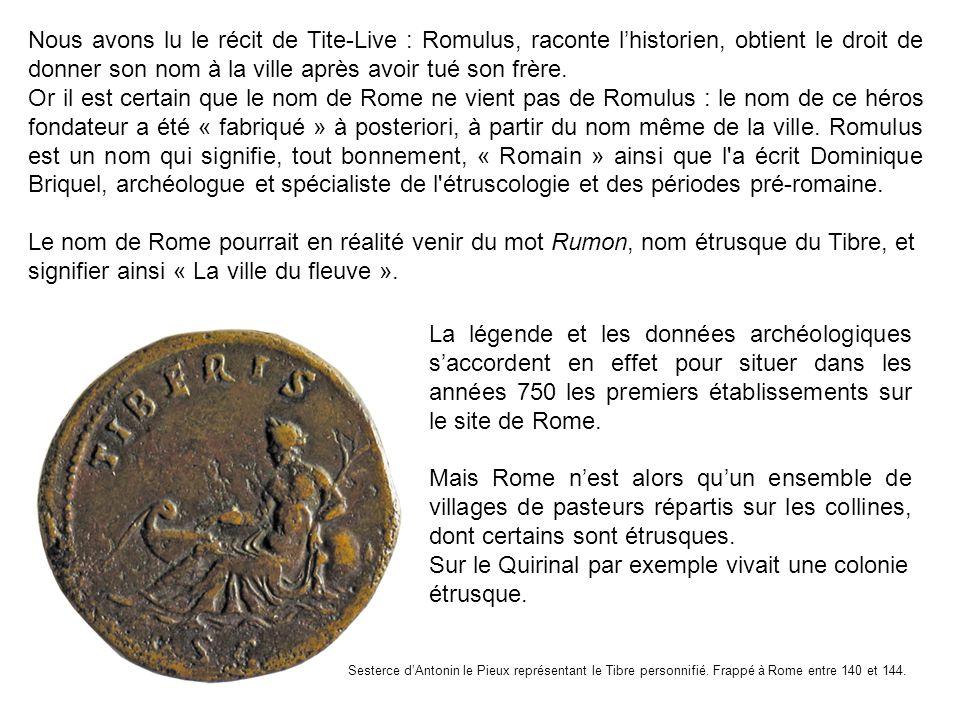 Cest aussi selon le rite étrusque que Romulus trace le sillon représentant les limites de la ville matérialisées plus tard par des remparts et des portes.