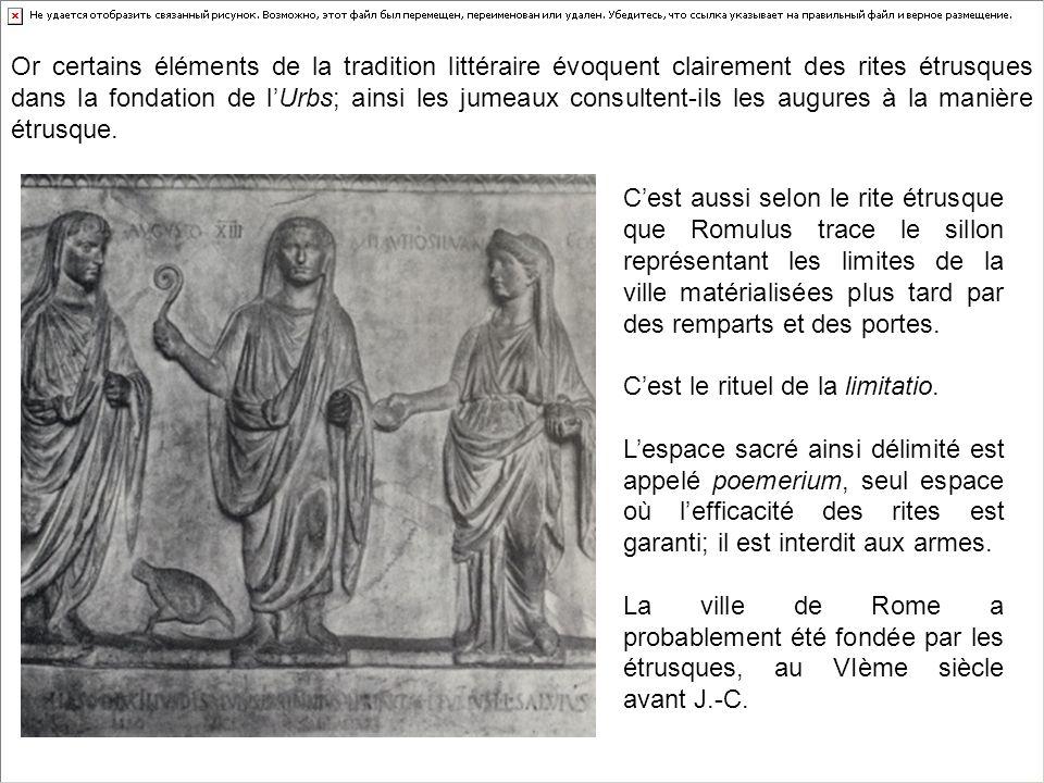 Cest aussi selon le rite étrusque que Romulus trace le sillon représentant les limites de la ville matérialisées plus tard par des remparts et des por