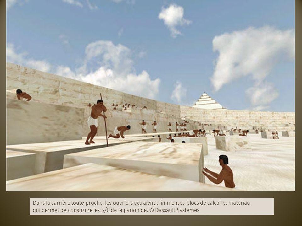 Dans la carrière toute proche, les ouvriers extraient d'immenses blocs de calcaire, matériau qui permet de construire les 5/6 de la pyramide. © Dassau