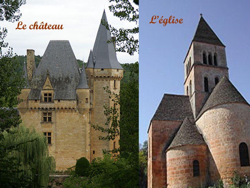 Bâti dans une boucle de la Vézère à mi parcours De Montignac et des Ezies.