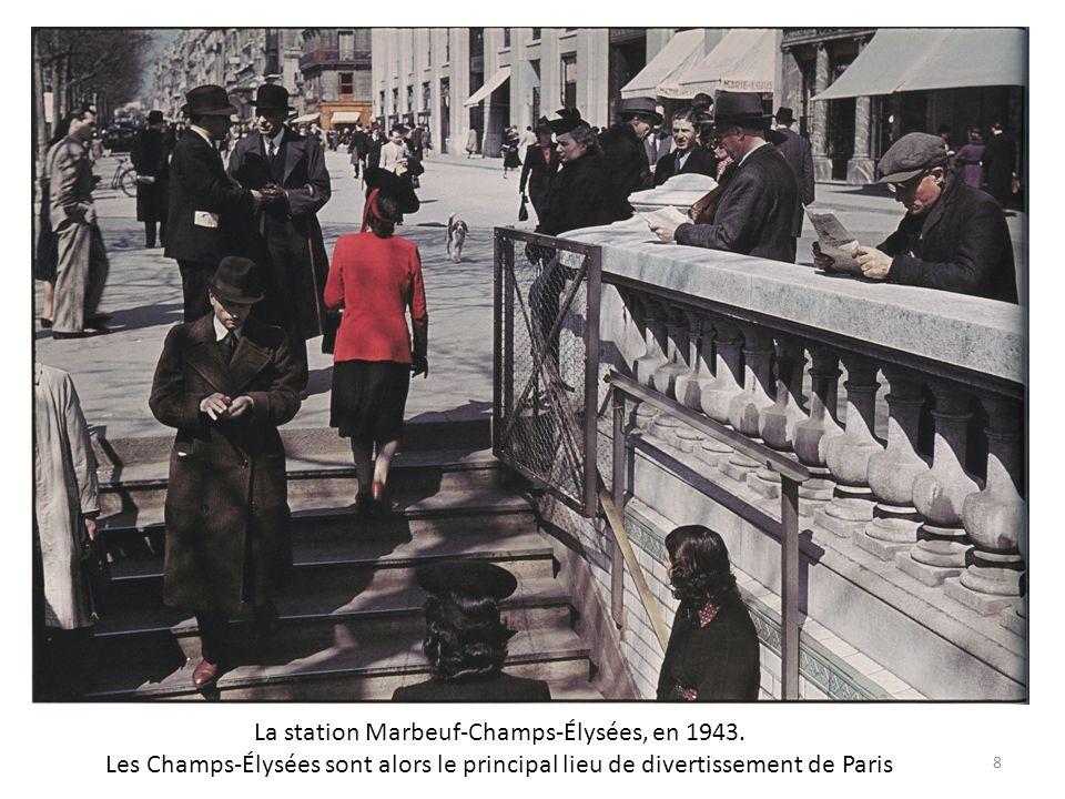 La station Marbeuf-Champs-Élysées, en 1943.