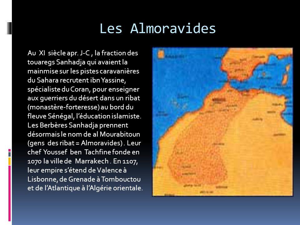 Les Idrissides En 788, arrive à Tanger un descendant du prophète, Idriss 1er. Fuyant l Arabie, il est accepté comme chef par les berbères. Moulay Idri