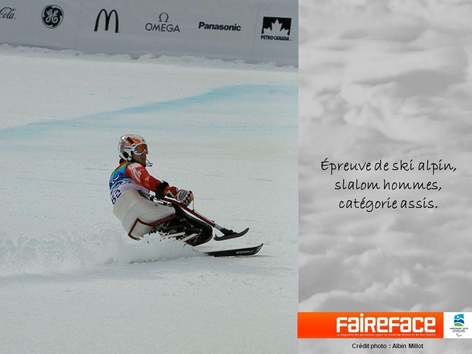 Épreuve de ski alpin, slalom hommes, catégorie assis. Crédit photo : Albin Millot
