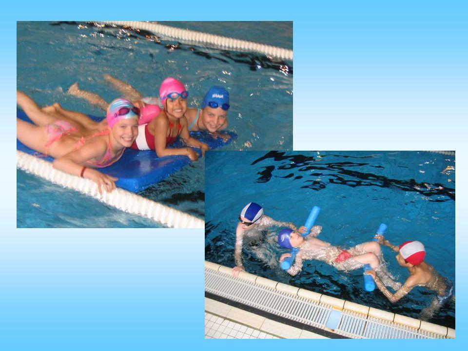 Voici les réactions habituelles de vos filleuls à la piscine.