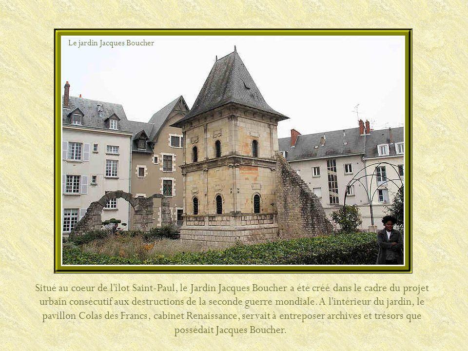 Eglise de Saint-Aignan En 451, Attila, à la tête des Huns, approche dOrléans.