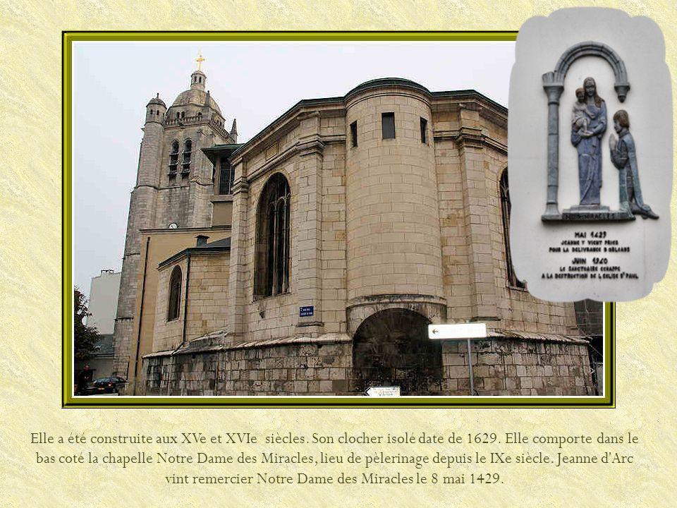 La tour Saint-Paul, construite au début du XVIIe siècle, sert de clocher à léglise du même nom, dont seule la partie occidentale a subsisté après la Seconde Guerre mondiale.