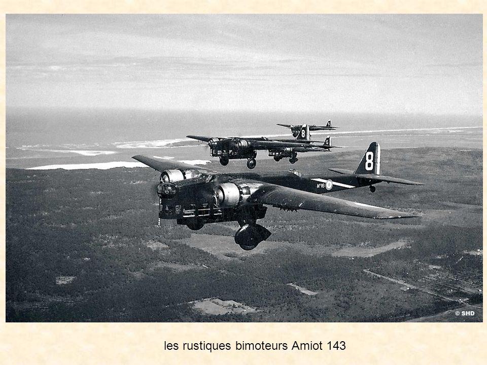 En 1938, alors que les usines aéronautiques redoublent dactivité pour produire les avions de chasse et de bombardement modernes définis par le plan V,