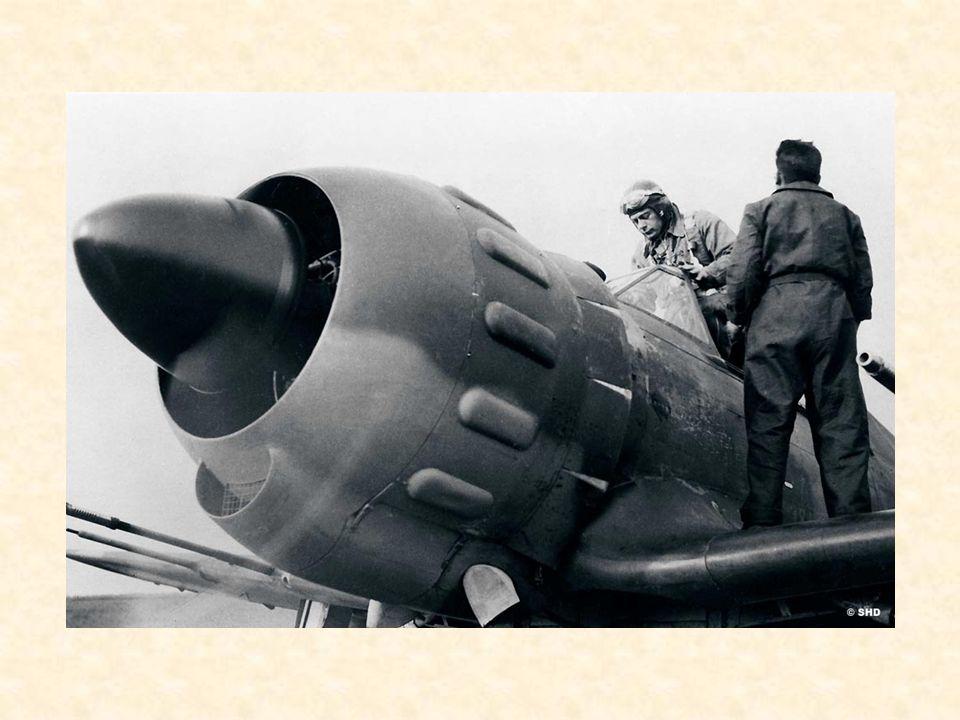 1940 La campagne de France Il est juste midi, ce 10 mai 1940, lorsque le capitaine Adrien Astier, commandant la 2 e escadrille du GC I/8 sinstalle aux