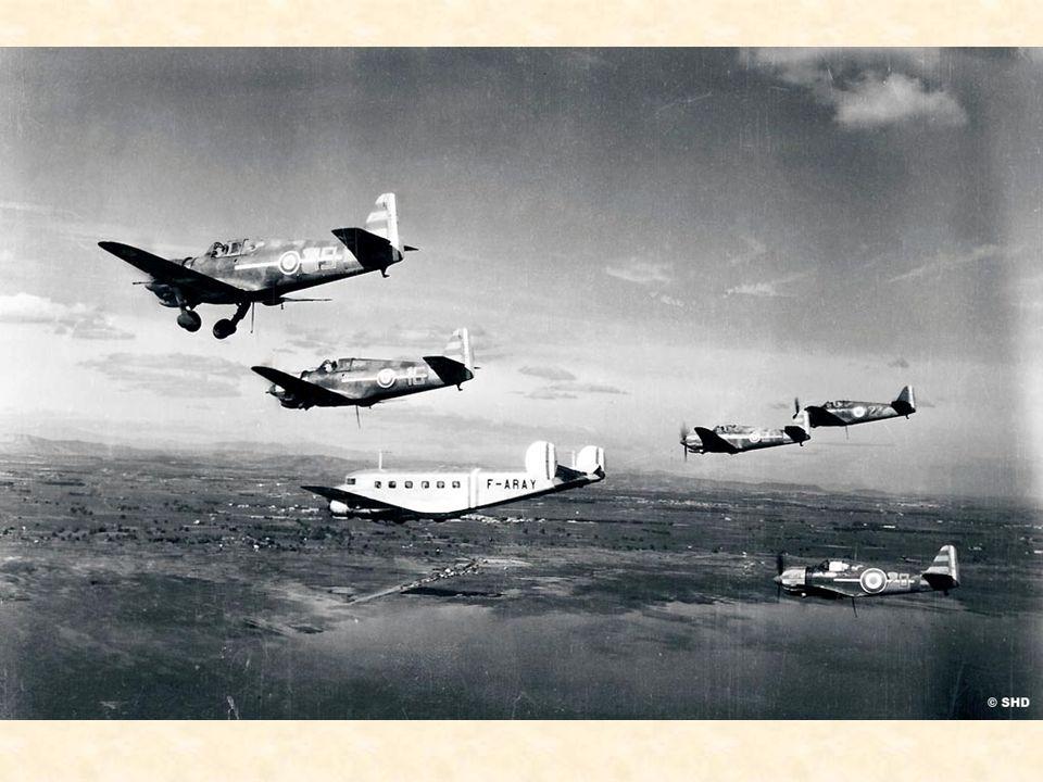 1941 Lannée sombre Pour les aviateurs chargés de défendre lempire colonial français sous toutes les latitudes, le répit de larmistice est de courtes d