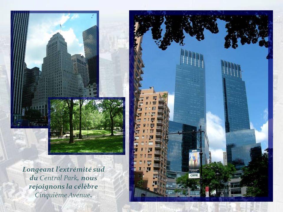 Remontant Broadway, nous atteignons le rond- point de Christophe Colomb. Il est situé à langle du Central Park, à la jonction de Broadway et de la 8 e