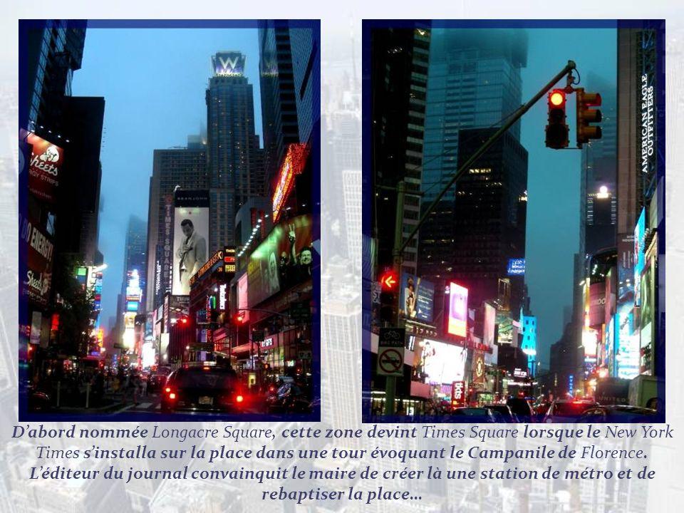 Nous terminons notre promenade dans Times Square à la tombée de la nuit.