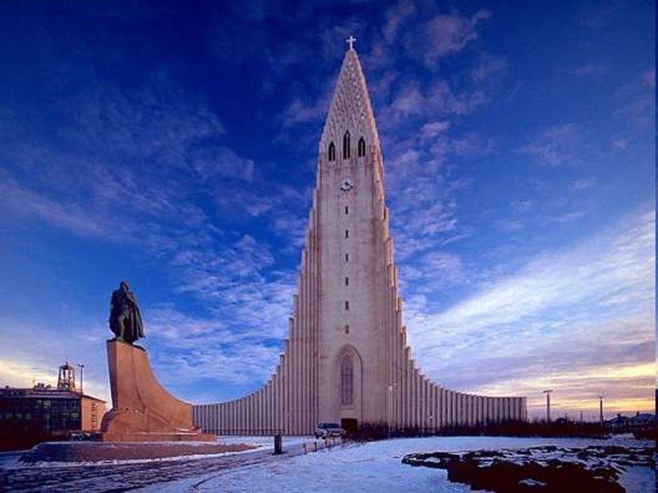 Hallgrímskirkja Lincroyable église dIslande La Hallgrímskirkja, littéralement, l'église de Hallgrímur, est une église luthérienne située à Reikjavik.