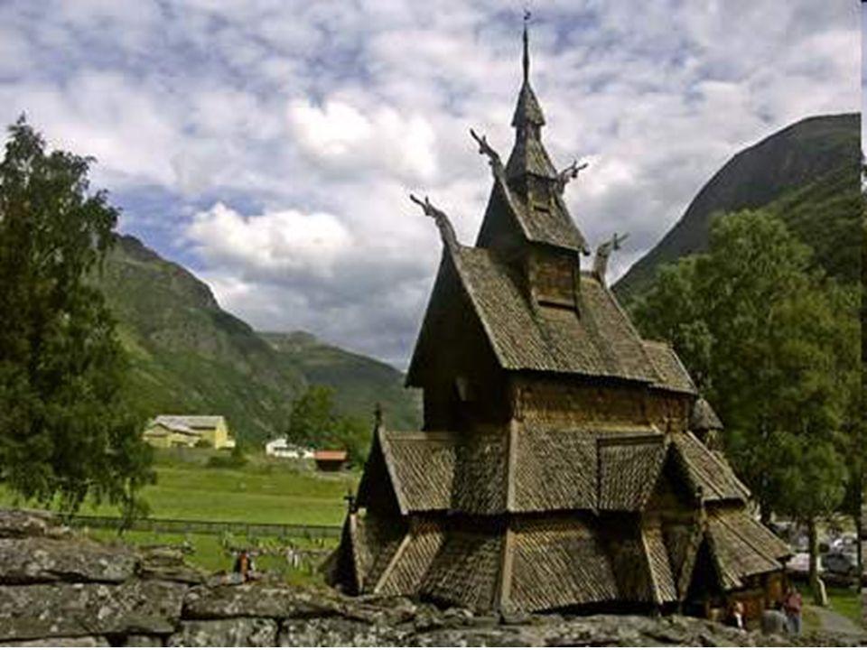 Les plus grandes des églises de bois debout ont été construites sur le même principe que celle de Borgund. Quinze d'entre elles sont parvenues jusqu'à