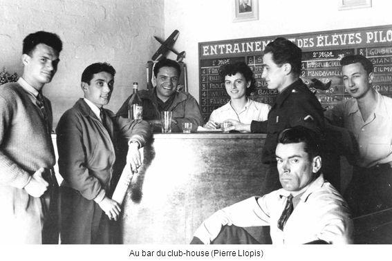 Au bar du club-house (Pierre Llopis)