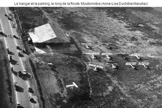 Le hangar et le parking, le long de la Route Moutonnière (Anne-Lise Duchêne Marullaz)