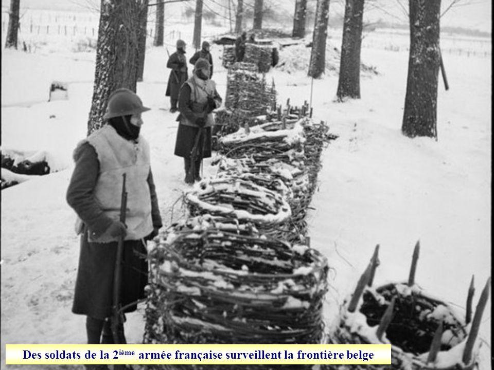 Des soldats de la 4 e armée française participent aux travaux des champs en Lorraine