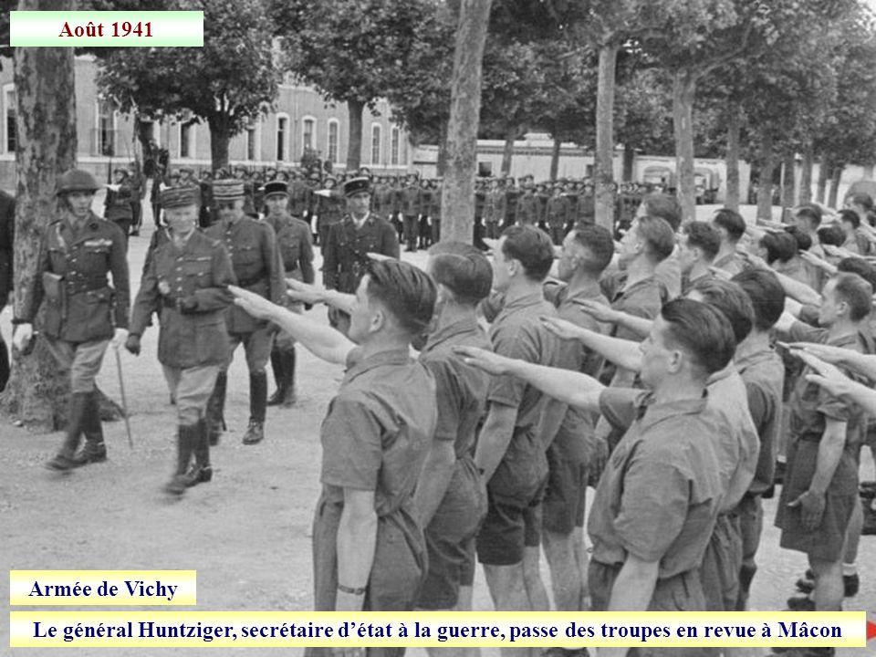 Décembre 1940 Le maréchal Pétain à Marseille pour une cérémonie au monument aux morts dOrient