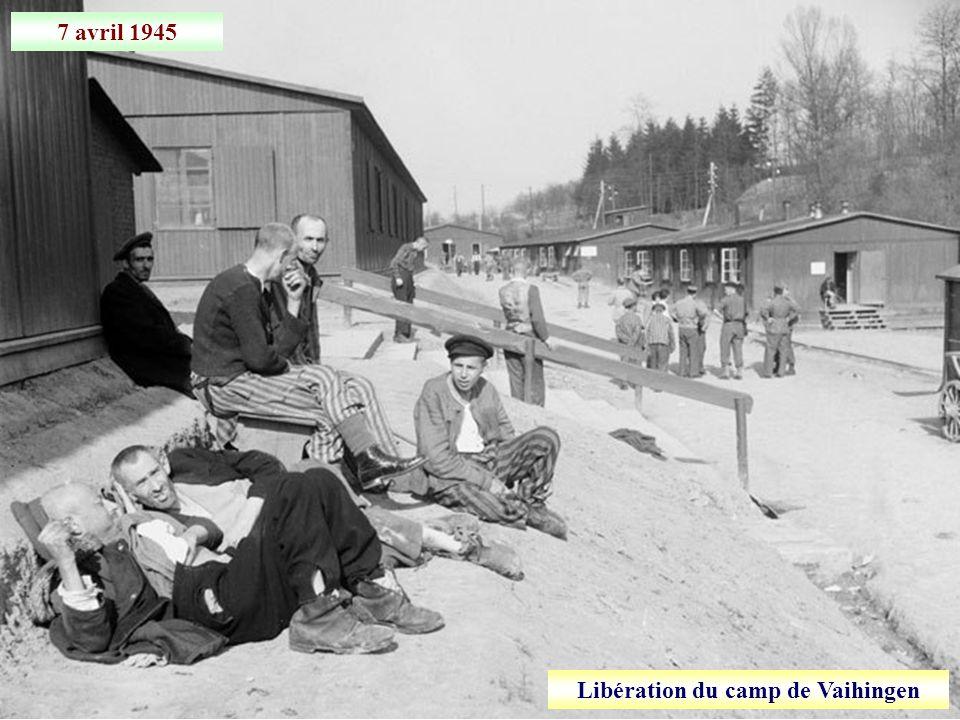 Avril 1945 Jeunes prisonniers allemands à Karlsruhe