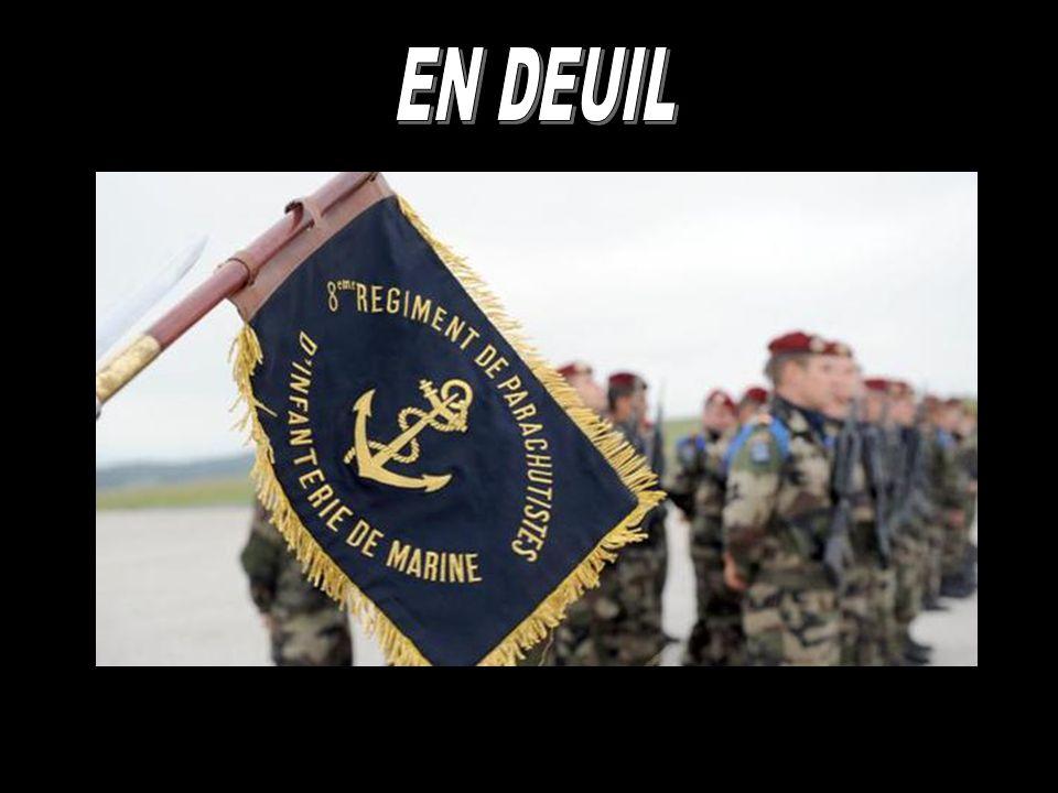 Hommage aux deux soldats français morts dans le cadre de l'opération