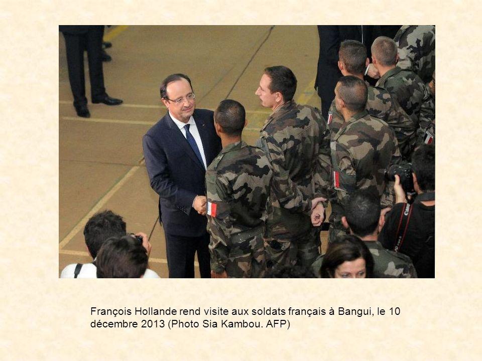 La France poursuit avec la Force multinationale des Etats dAfrique de louest (FOMAC) le désarmement de façon impartiale de lensemble des éléments armé