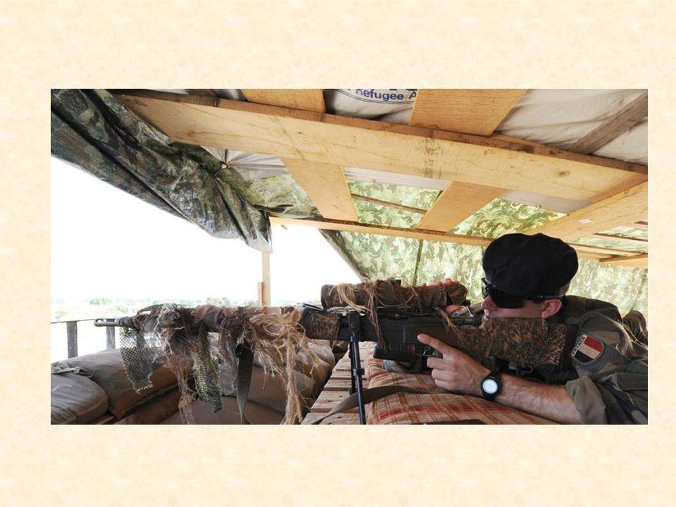 Double front Larmée française est donc engagée, en Afrique, sur deux fronts bien différents… Lun centrafricain, lautre malien, avec une nouvelle offensive en début de semaine contre les jihadistes.