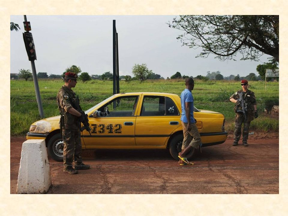 A Bangui, dans la nuit du 9 au 10 décembre 2013, peu avant minuit, une section de la force Sangaris a été prise à partie à très courte distance au cou