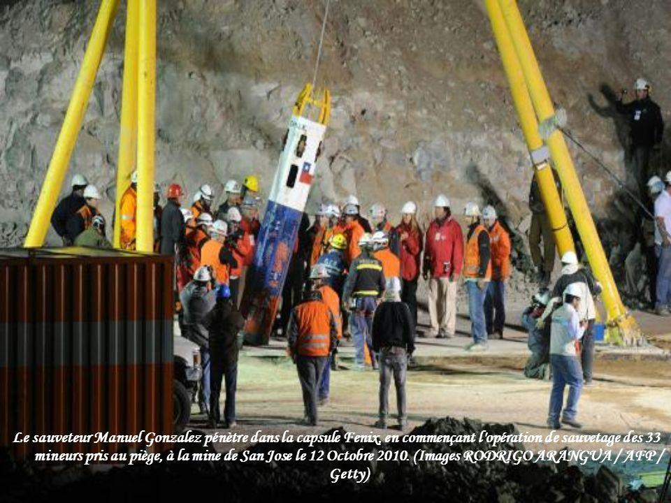 Une vue de l'opération de sauvetage des mineurs pris au piège dans la mine de San Jose le 12 Octobre 2010. (REUTERS Ivan Alvarado /)