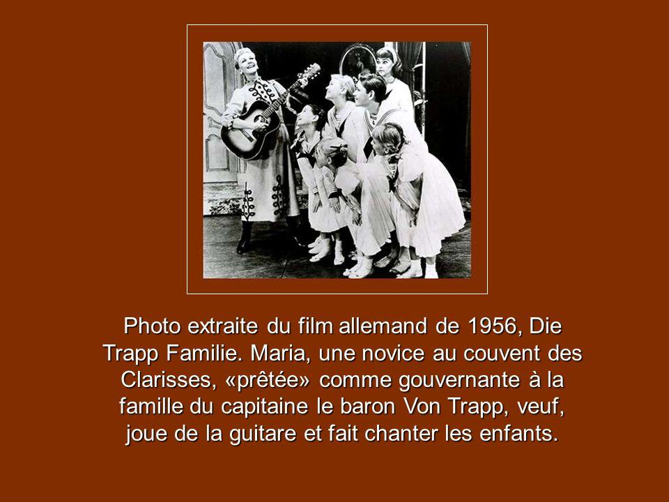 Voici de rares photos de la vraie famille Von Trapp, lors de son arrivée aux Etats-Unis, en 1939. La baronne Maria Von Trapp, musicienne et femme dune