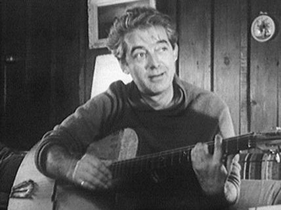 Biographie de Félix Leclerc Son langage, ses images, la nostalgie de ses chansons, le monde populaire qu'il chante avec l'art d'un troubadour, autant