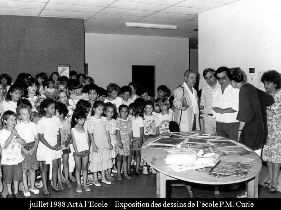 juillet 1988 Art à lEcole Exposition des dessins de lécole P.M. Curie