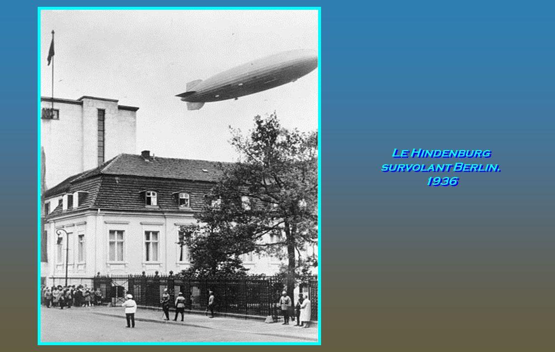 Le 6 mai 2012 a marqué le 75e anniversaire de la catastrophe de 1937 du dirigeable allemand Hindenburg qui a pris feu alors qu'il tentait d'atterrir p