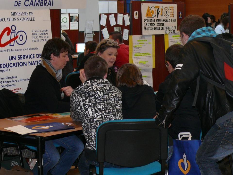 LE SERVICE PUBLIC POUR LEMPLOI ET LES PARTENAIRES DU COMITE SANTE - SOCIAL