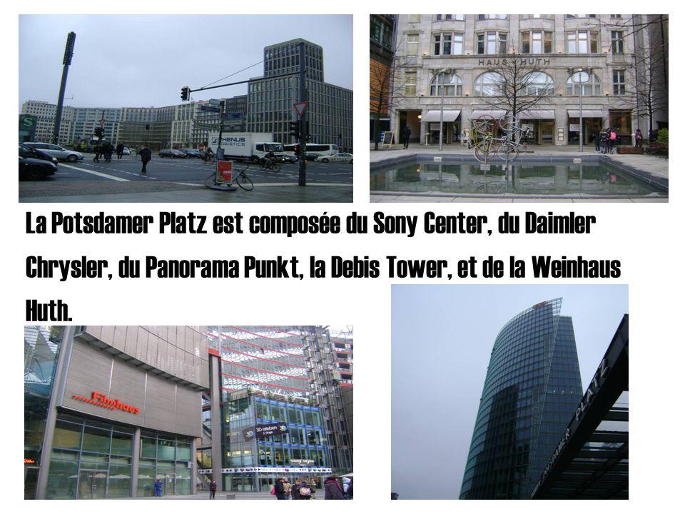 La Potsdamer Platz est composée du Sony Center, du Daimler Chrysler, du Panorama Punkt, la Debis Tower, et de la Weinhaus Huth.