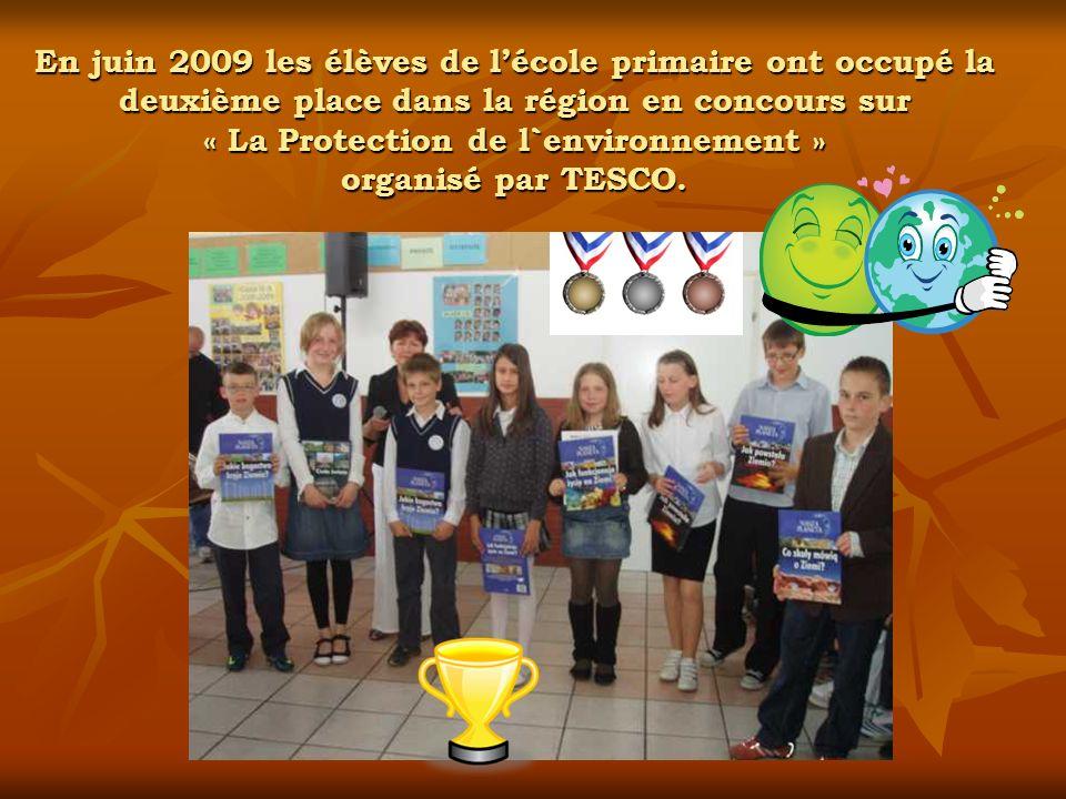 En juin 2009 les élèves de lécole primaire ont occupé la deuxième place dans la région en concours sur « La Protection de l`environnement » organisé p