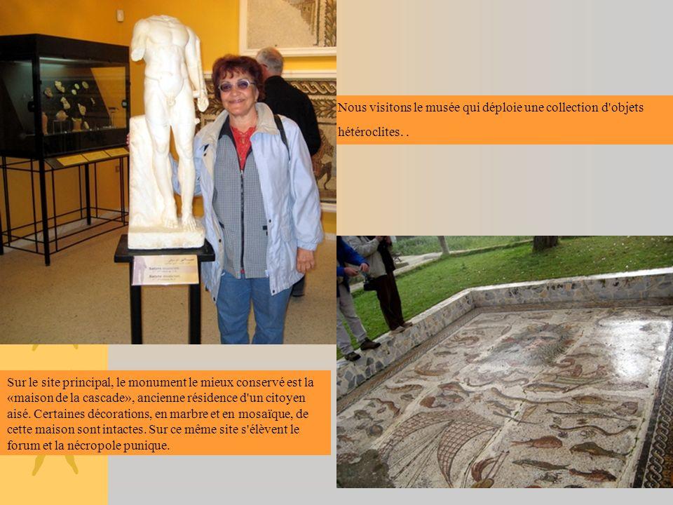 Nous visitons le musée qui déploie une collection d'objets hétéroclites.. Sur le site principal, le monument le mieux conservé est la «maison de la ca