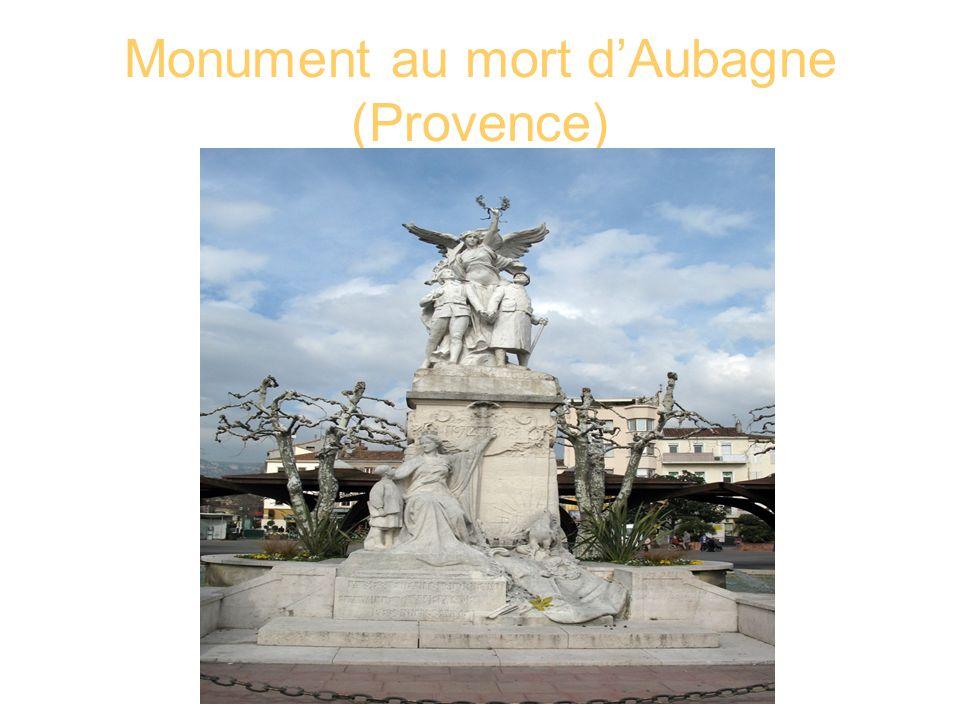 Monument au mort dAubagne (Provence)