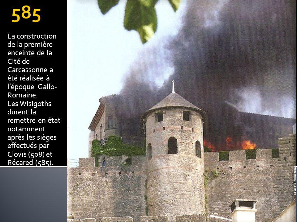 La construction de la première enceinte de la Cité de Carcassonne a été réalisée à lépoque Gallo- Romaine. Les Wisigoths durent la remettre en état no
