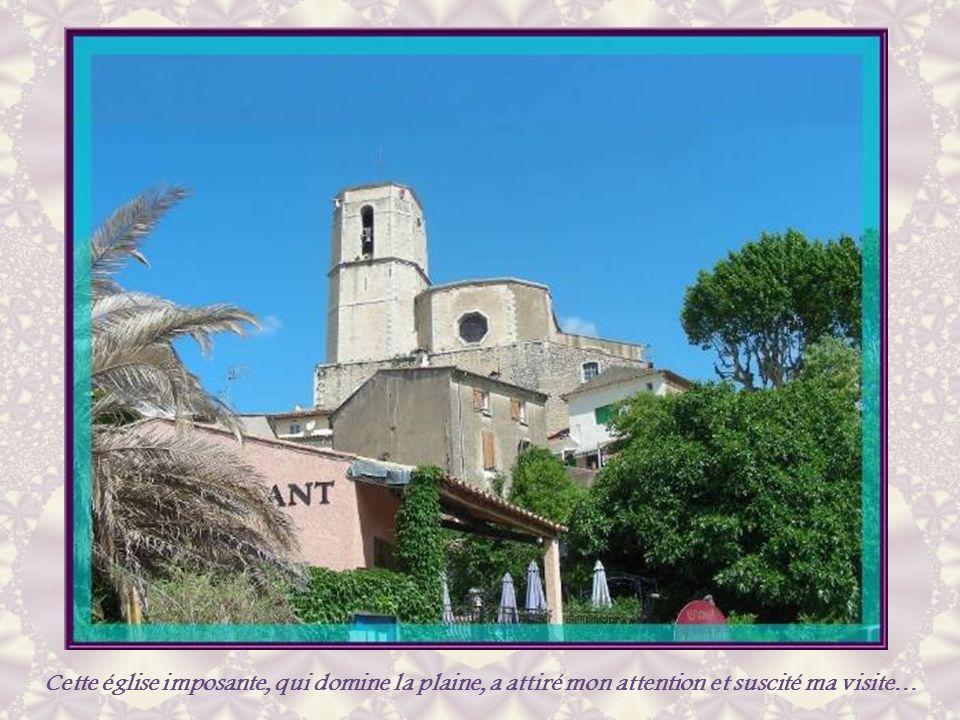 Cette maison marque lemplacement de léglise Saint- Martin du XIIe siècle, démolie en 1755.