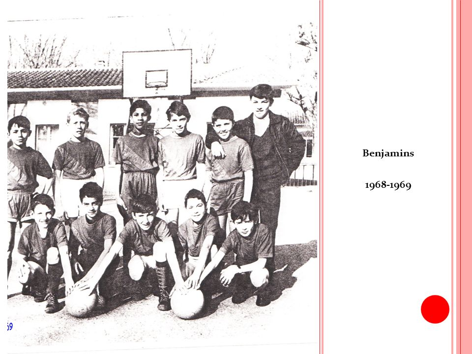 S AISON 1969-1970 Le nombre de licenciés est de 83 répartis sur 9 équipes.