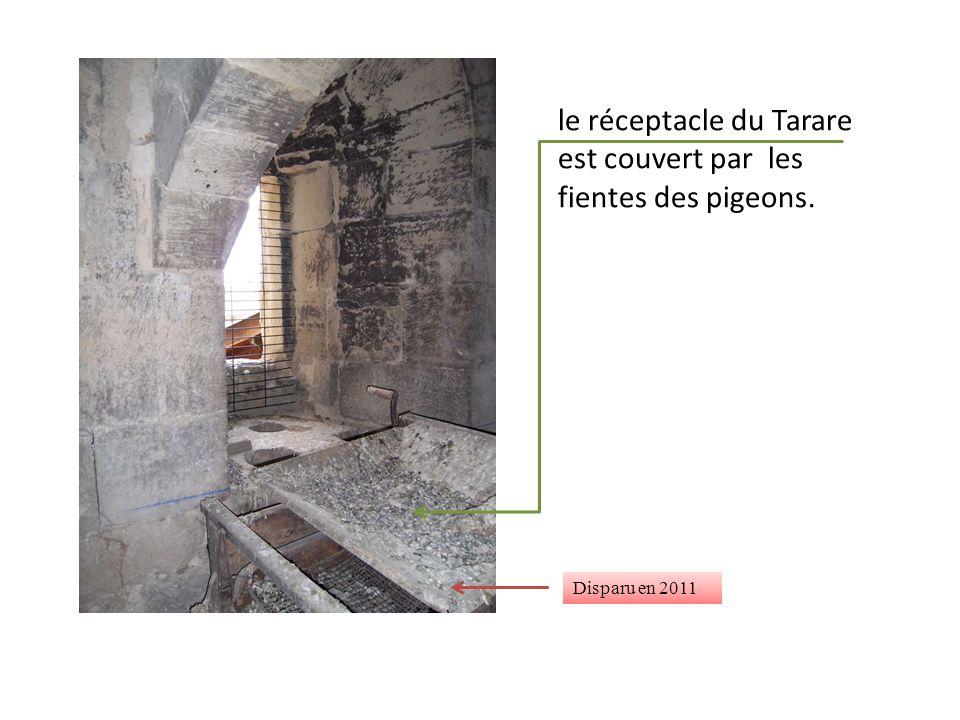 le réceptacle du Tarare est couvert par les fientes des pigeons. Disparu en 2011