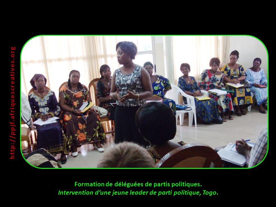 Formation de déléguées de partis politiques. Intervention dune jeune leader de parti politique, Togo. http:// ppjf.afriquescreatives.org