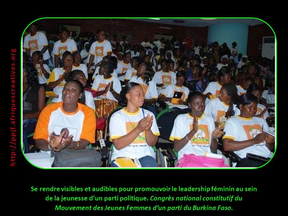 Se rendre visibles et audibles pour promouvoir le leadership féminin au sein de la jeunesse dun parti politique.