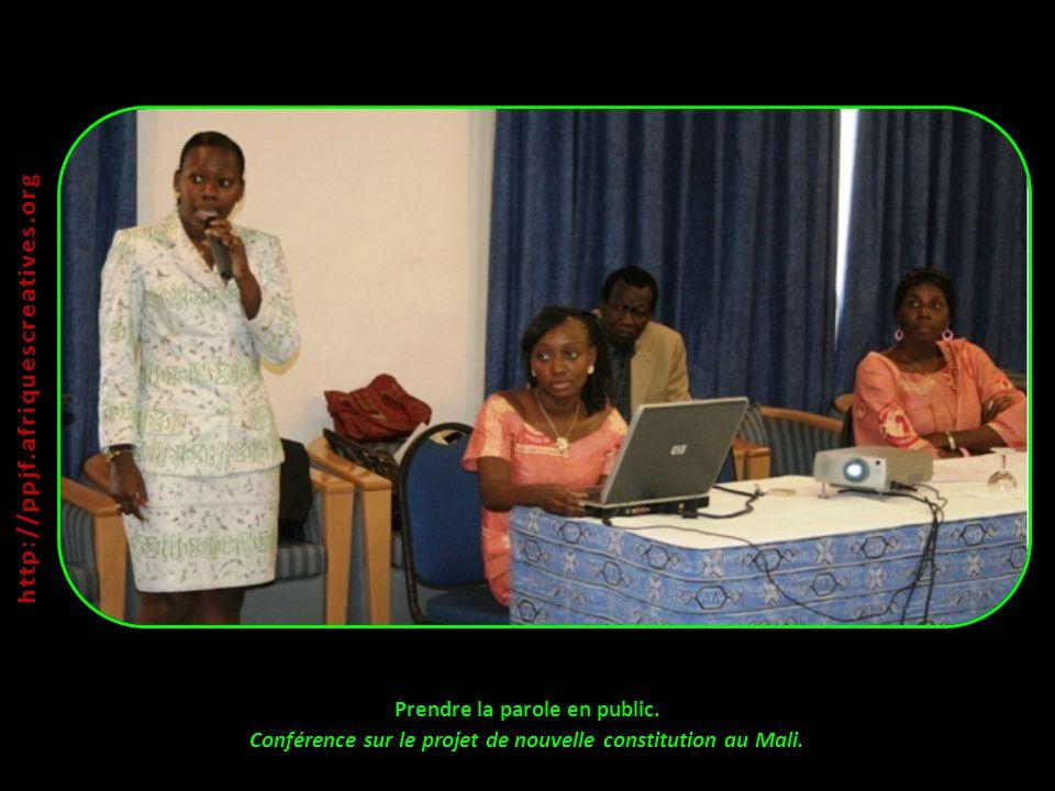 Prendre la parole en public. Conférence sur le projet de nouvelle constitution au Mali. http:// ppjf.afriquescreatives.org