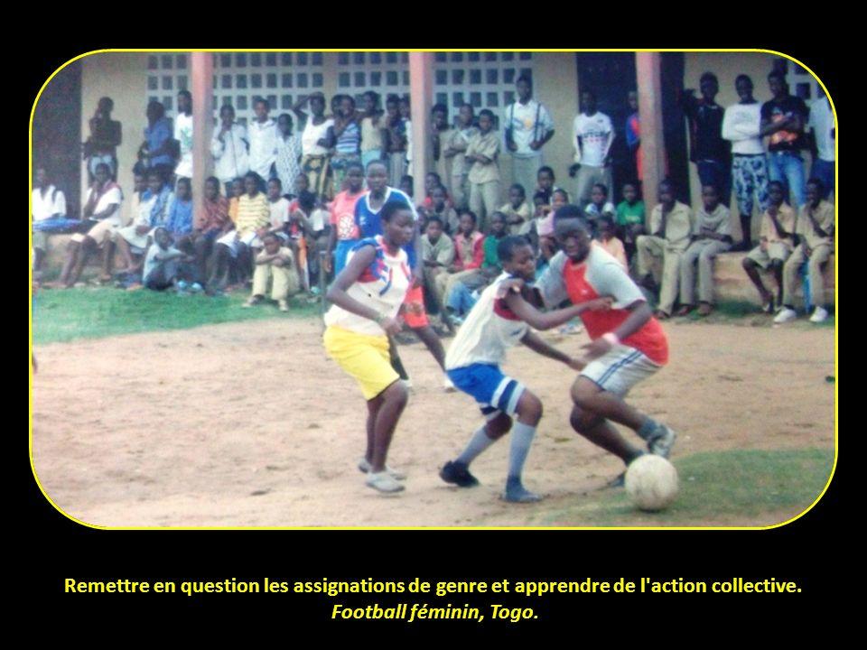 Remettre en question les assignations de genre et apprendre de l'action collective. Football féminin, Togo.