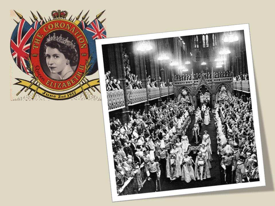 Le 6 février 1952, en visite au Kenya, elle apprend le décès de son père et donc son accession au trône.
