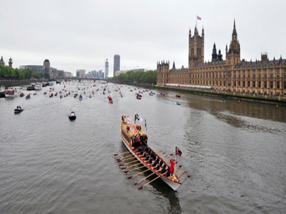 Cette année 2012 est en revanche primordiale : Elizabeth II, qui a déjà établi le 4 e plus long règne de l Histoire des monarchies européennes, fête les 60 ans de son accession au trône le 6 février.